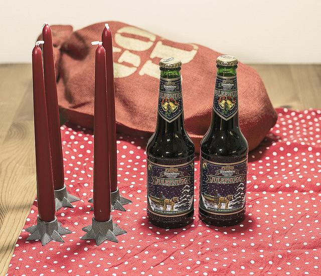 Å ha kappe på flasken gir alltid et pluss, men er grønn flaske julete? Foto: Jørgen Håland
